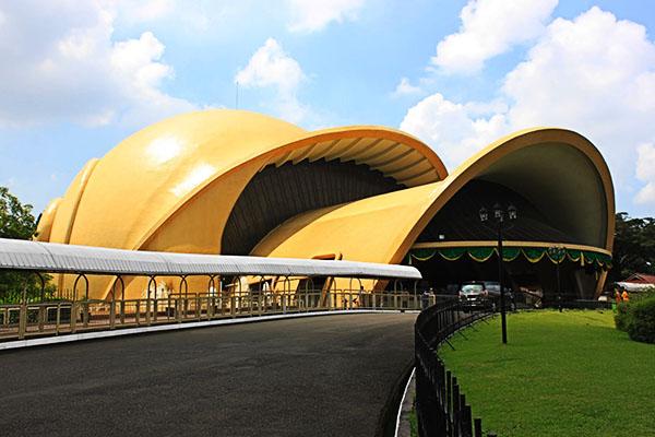 Golden Snail Imax Theatre TMII, Jakarta