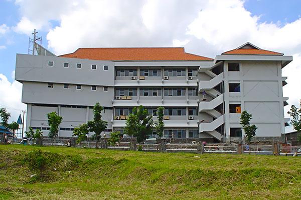 Petra 1 Christian Senior High School, Surabaya